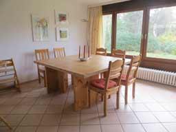 Ferienhaus Sokollek - Esstisch im Wohnzimmer